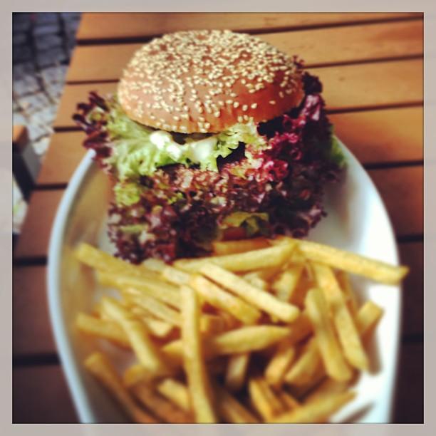 Burger Mediterran @ Franky's Bar