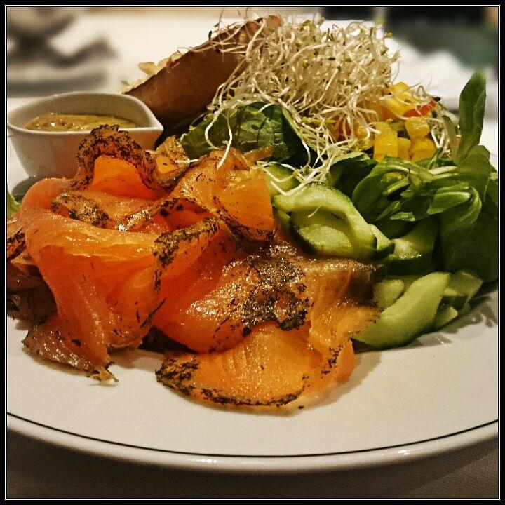 wild herbs salad with smoked Salon