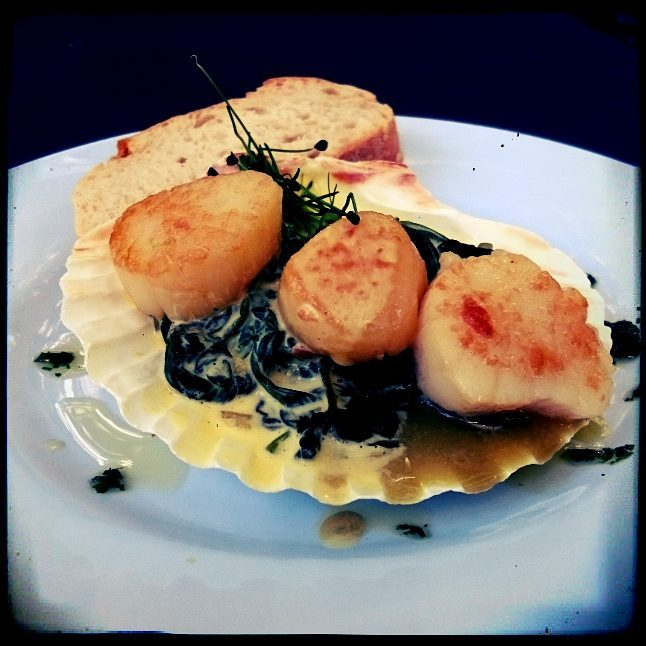 Smoked Scallops with seaweed