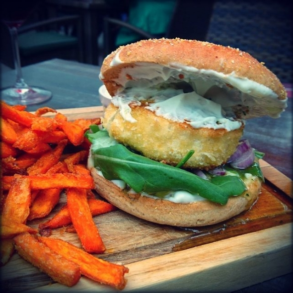 Goat cheese burger with sweet potatoes