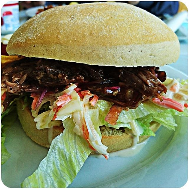Pulled Beef Burger @ cantina